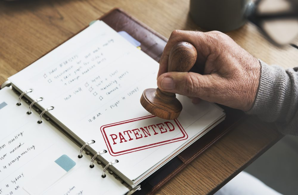 On the Practical Irrelevance and Theoretical Inadequacy of the Royalty-Stacking Benchmark in Standard-Essential Patent Negotiations